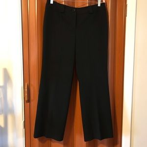 Ann Taylor Signature Fit Lower on Waist. Size 10.